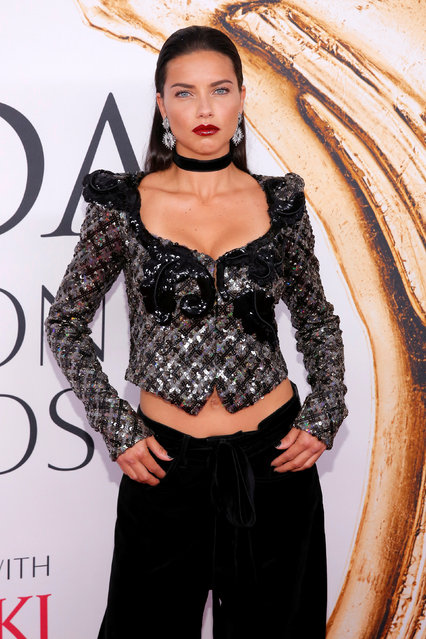 Model Adriana Lima arrives for the 2016 CFDA Fashion Awards in Manhattan, New York, U.S., June 6, 2016. (Photo by Andrew Kelly/Reuters)
