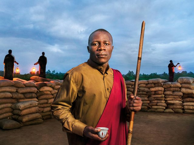 """""""Dreaming of a Better Africa"""". Edward Mukiibi, Slow Food International Vice President and tropical agronomist, he is the proud defender of sustainable agriculture and biodiversity. (Photo by Steve McCurry/2015 Lavazza Calendar)"""