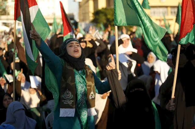 A Palestinian girl shouts during a Hamas women's rally in Gaza City December 6, 2015 in support of Palestinian stabbing attacks against Israelis. (Photo by Suhaib Salem/Reuters)