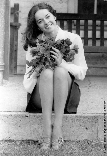 1972: The actress Gemma Craven with a bunch of 'Pye Colour' roses at the Royal National Rose Society's Autumn show in the Royal Horticultural Society Hall, Westminister, London