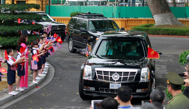A limousine transporting U.S. President Barack Obama arrives for a welcoming ceremony at the Presidential Palace in Hanoi, Vietnam May 23, 2016. (Photo by Reuters/Kham)