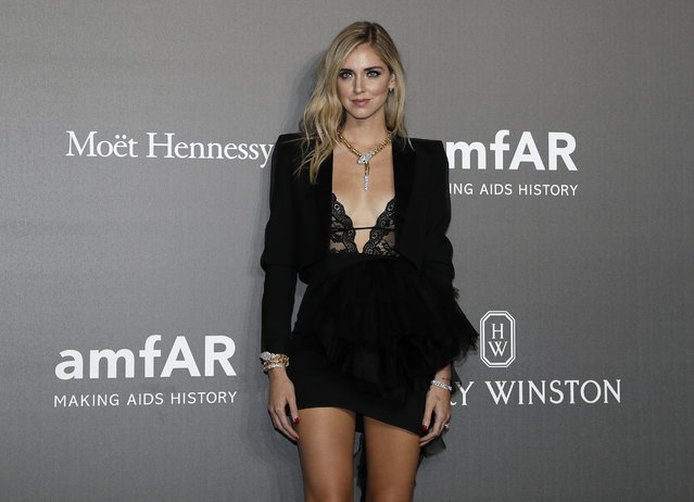 Chiara Ferragni poses as she arrives for the amfAR charity dinner during the fashion week in Milan, Italy, Thursday, September 21, 2017. (Photo by Antonio Calanni/AP Photo)