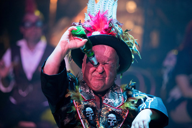 Captain Dan the Demon Dwarf, Daniel Blackner takes part in a rehearsal of the Circus of Horrors' latest show Voodoo, ahead of Halloween, at the Wookey Hole Caves Theatre near Wells on October 19, 2017 in Somerset, England. (Photo by Matt Cardy/Getty Images)