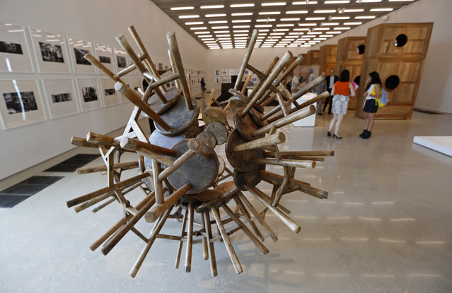 """A work titled """"grapes"""" by artist Ai Weiwei of China is displayed during a media tour of the Perez Art Museum Miami (PAMM) in Miami, Florida December 3, 2013. (Photo by Joe Skipper/Reuters)"""