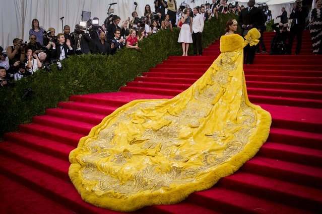 """Singer Rihanna arrives at the Metropolitan Museum of Art Costume Institute Gala 2015 celebrating the opening of """"China: Through the Looking Glass"""" in Manhattan, New York May 4, 2015. (Photo by Lucas Jackson/Reuters)"""