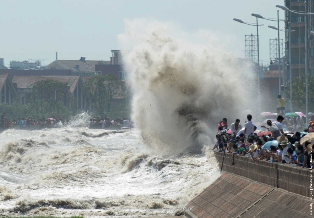 High Tide At Qiantangjiang River Injures 20