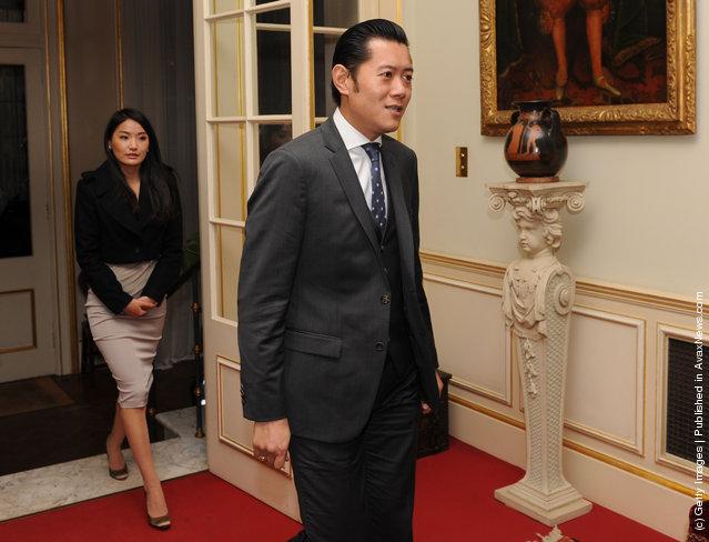 King Jigme Khesar Namgyel Wangchuk (R) and Queen Jetsun Pema Wangchuk of Bhutan (L) arrive at Clarence House