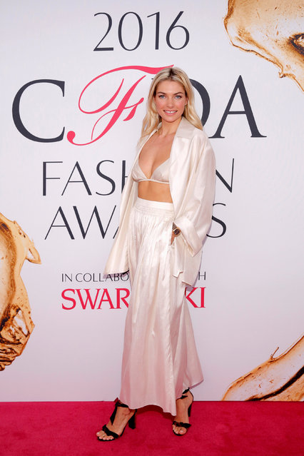 Model Jessica Hart arrives for the 2016 CFDA Fashion Awards in Manhattan, New York, U.S., June 6, 2016. (Photo by Andrew Kelly/Reuters)
