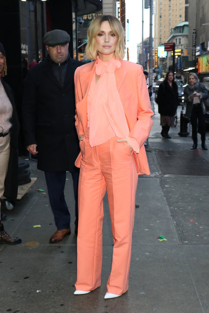 Rose Byrne is seen on January 08, 2020 in New York City. (Photo by MediaPunch/Bauer-Griffin/GC Images)