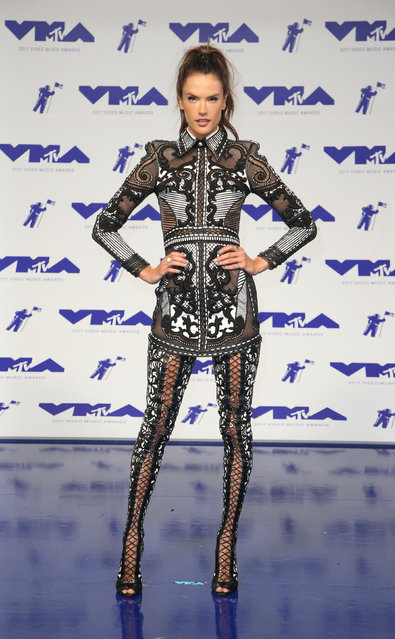Alessandra Ambrosio poses in the press room at the MTV Video Music Awards at The Forum on Sunday, August 27, 2017, in Inglewood, Calif. (Photo by Danny Moloshok/Reuters)