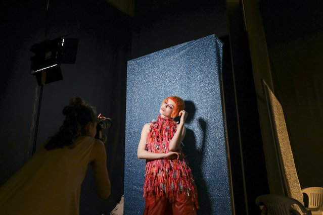 A model is photographed backstage on the first day of the Lisbon Fashion Week, at Carlos Lopes Pavillion in Lisbon, Portugal, 09 March 2018. (Photo by José Sena Goulão/EPA/EFE)
