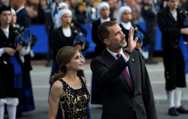 King Felipe and Queen Letizia of Spain before the 2016 Princess of Asturias awards ceremony in Oviedo, northern Spain, October 21, 2016. (Photo by Eloy Alonso/Reuters)