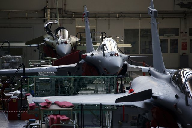 View of the assembly line of the Rafale jet fighter in the factory of French aircraft manufacturer Dassault Aviation in Merignac near Bordeaux, southwestern France, in this January 10, 2014 file photo. France and Egypt have agreed a deal worth more than 5 billion euros ($5.7 billion) for the sale of Dassault Aviation-built Rafale fighter jets, a naval frigate and missiles, a French source close to the matter said on Thursday February 12, 2015. (Photo by Benoit Tessier/Reuters)
