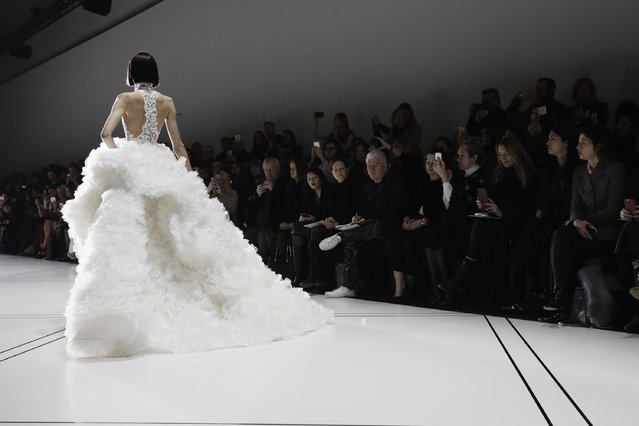 A model walks the ruway during the Ralph & Russo show on January 23, 2017 in Paris, France. (Photo by Vittorio Zunino Celotto/Getty Images)