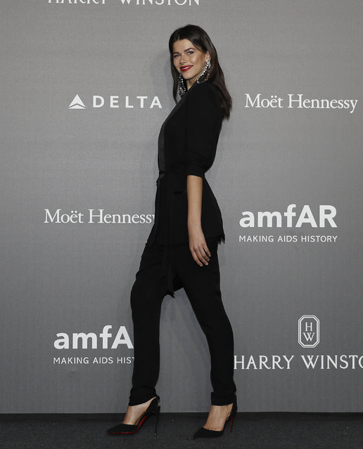 Model Georgia Fowler poses as she arrives for the amfAR charity dinner during the fashion week in Milan, Italy, Thursday, September 21, 2017. (Photo by Antonio Calanni/AP Photo)