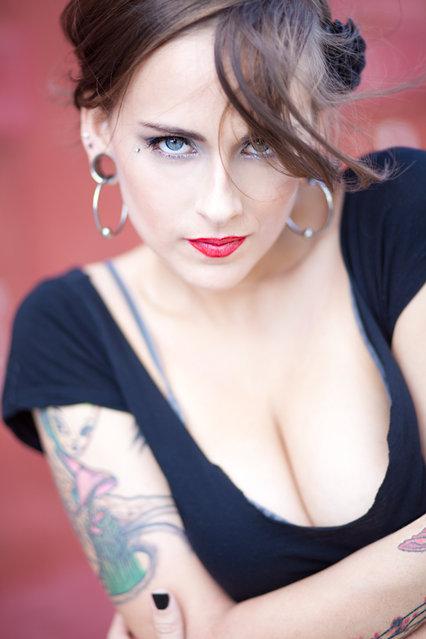 Hot tattooed girl. Tainted Gypsy