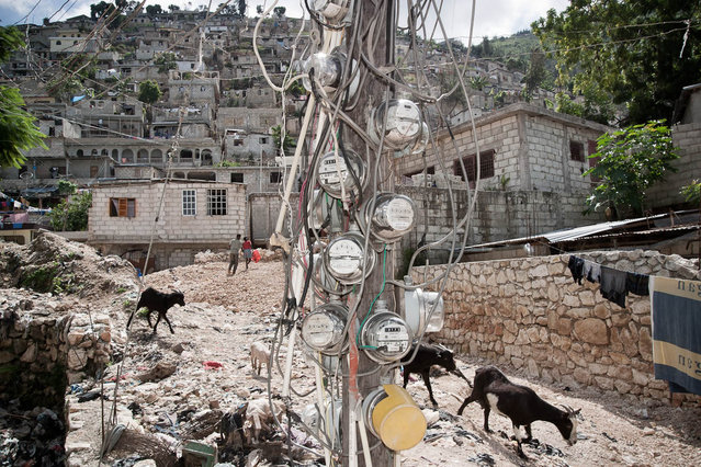 Haiti, Petion-Ville. Dezermit ravine (slums) in November 2003. (Photo by Jean-Claude Coutausse)