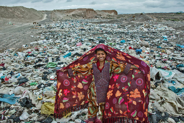 """An undated handout image provided by UNICEF Germany on 20 December 2016 shows the """"UNICEF Photo of the Year 2016"""" by Iranian freelance photographer Arez Ghaderi. Ghaderi won the first prize for his picture of a girl in a makeshift tent city in the Razavi Khorasan province, Iran, it was announced at a ceremony in Berlin, Germany on 20 December 2016. (Photo by Ariz Ghaderi/EPA/UNICEF Deutschland)"""
