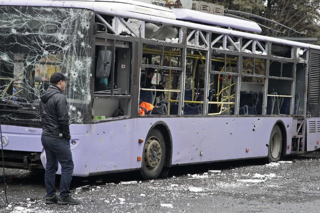 A view shows a damaged trolleybus in Donetsk, January 22, 2015. (Photo by Alexander Ermochenko/Reuters)