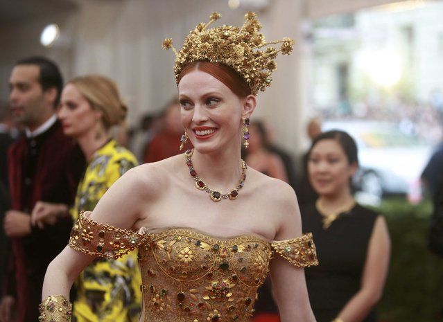 "British model Karen Elson arrives for the Metropolitan Museum of Art Costume Institute Gala 2015 celebrating the opening of ""China: Through the Looking Glass"" in Manhattan, New York May 4, 2015. (Photo by Andrew Kelly/Reuters)"