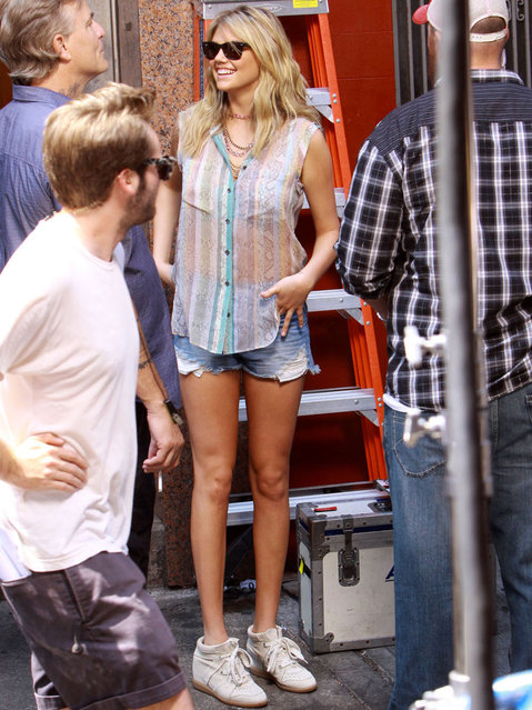 """Cameron Diaz and Kate Upton film scenes for """"The Other Woman"""" in Chinatown, New York City, on  June 24, 2013. Supermodel Kate was full of smiles as she got makeup on and walked around set in a pair of short shorts. (Photo by PacificCoastNews.com)"""