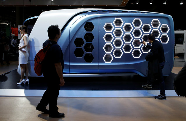 Isuzu Motor displays design concept truck FD-SI during media preview of the 45th Tokyo Motor Show in Tokyo, Japan on October 25, 2017. (Photo by Toru Hanai/Reuters)
