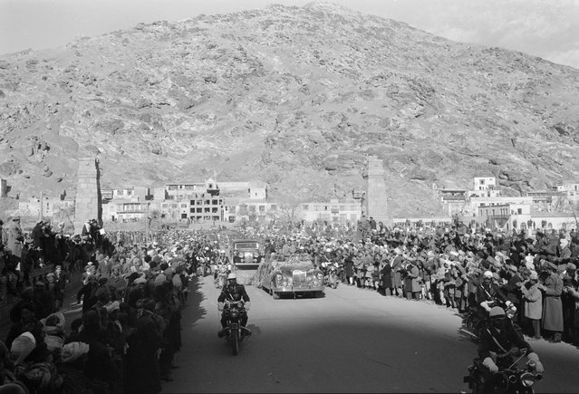 Motorcade for President Eisenhower's visit to Kabul, Afghanistan, on December 9, 1959. Eisenhower met briefly with the 45-year-old Afghan king, Mohammad Zahir Shah, to discuss Soviet influence in the region and increased U.S. aid to Afghanistan. (Photo by Thomas J. O'Halloran/LOC via The Atlantic)