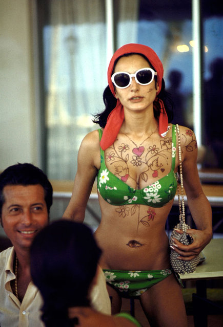 Model Naty Abascal shows off designs on her chest and stomach, Bahamas, 1968. (Photo by Bill Eppridge/Time & Life Pictures/Getty Images)