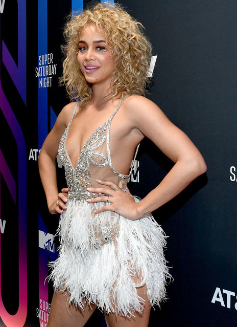 Jasmine Sanders attends AT&T TV Super Saturday Night at Meridian at Island Gardens on February 01, 2020 in Miami, Florida. (Photo by Kevin Mazur/Getty Images for AT&T)