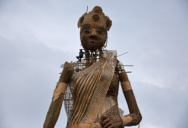 A 100-foot bamboo idol of the Hindu goddess Durga, which is aimed at breaking the Guinness World Records for the tallest bamboo sculpture ever made, ahead of the Durga Puja festival, is seen in Guwahati, India September 23, 2017. (Photo by Anuwar Hazarika/Reuters)