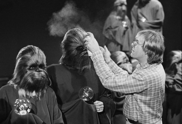 "An ""extra"" Wookie has his hair sprayed by a makeup artist during the taping of the television special for the holidays made by the cast of the movie ""Star Wars"" Wednesday October 5, 1978 in Los Angeles. The Wookie planet is visited in the episode. (Photo by AP Photo/Brich)"