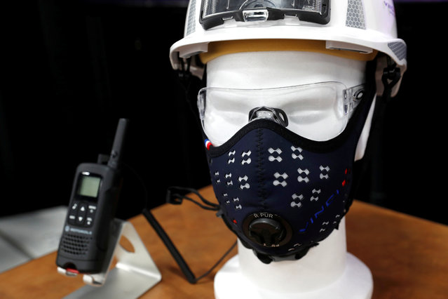 A R-PUR anti-pollution mask, which can filter out particles as small as pm 0.4 microns, is displayed during CES Unveiled at the 2018 CES in Las Vegas, Nevada, U.S. January 8, 2018. (Photo by Steve Marcus/Reuters)
