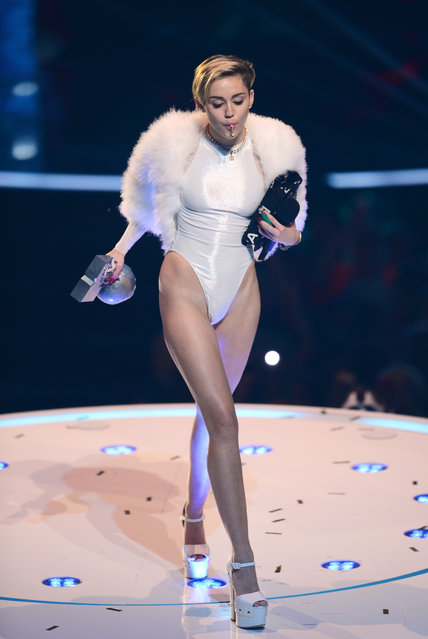 Miley Cyrus perfroms onstage during the MTV EMA's 2013 at the Ziggo Dome on November 10, 2013 in Amsterdam, Netherlands. (Photo by Ian Gavan/Getty Images for MTV)