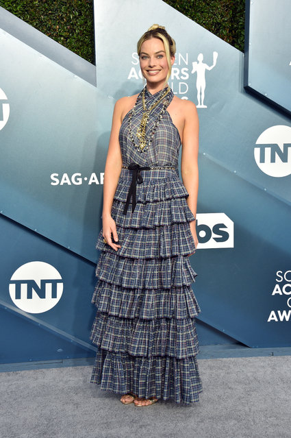 Margot Robbie attends the 26th Annual Screen ActorsGuild Awards at The Shrine Auditorium on January 19, 2020 in Los Angeles, California. (Photo by Gregg DeGuire/Getty Images for Turner)