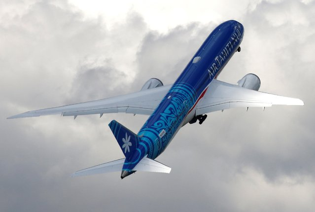 An Boeing 787-9 Dreamliner of Air Tahiti Nui company performs during the 53rd International Paris Air Show at Le Bourget Airport near Paris, France, June 17 2019. (Photo by Pascal Rossignol/Reuters)