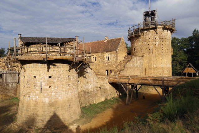 A view of the construction site of the Chateau de Guedelon near Treigny in the Burgundy region of France, September 13, 2016. (Photo by Jacky Naegelen/Reuters)