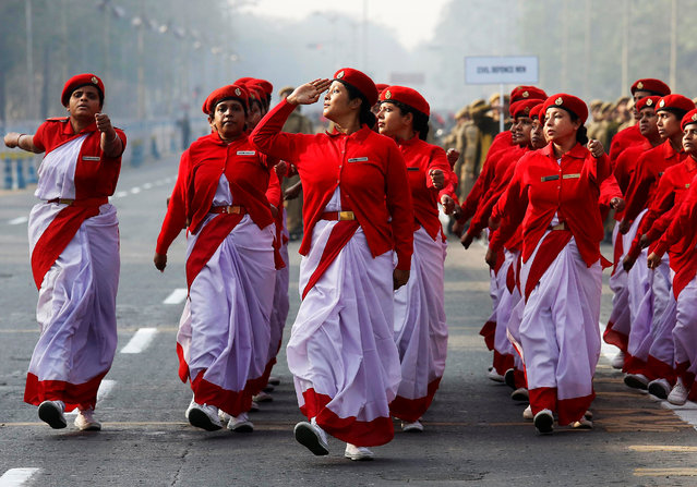 Indian civil defence personnel march during a full-dress rehearsal for India's Republic Day parade in Kolkata, India, January 20, 2017. India celebrates its annual Republic Day on January 26. (Photo by Rupak De Chowdhuri/Reuters)