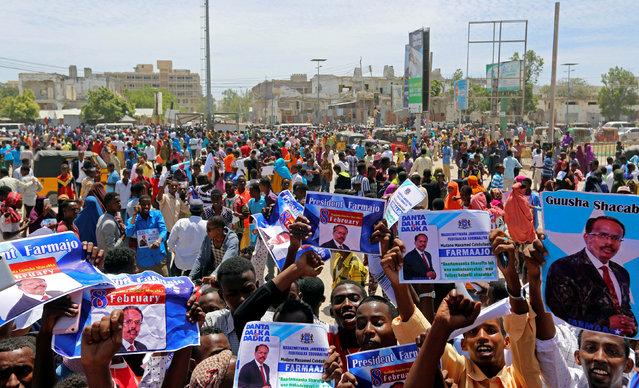 Civilians celebrate the election of President Mohamed Abdullahi Mohamed in the streets of Somalia's capital Mogadishu, February 9, 2017. (Photo by Feisal Omar/Reuters)