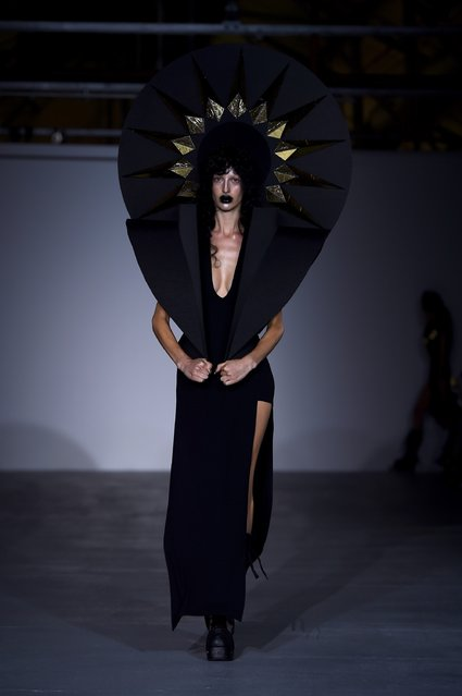 A model walks the runway at the Gareth Pugh show during London Fashion Week Spring/Summer collections 2017 on September 17, 2016 in London, United Kingdom. (Photo by Eamonn M. McCormack/Getty Images)
