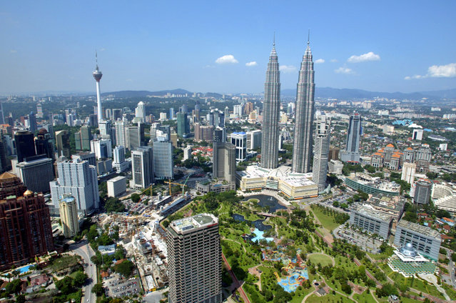 9 and 10: The Petronas Twin Towers in Kuala Lumpur are tied for ninth and tenth tallest. Height: 1,483 ft. (Photo by Bazuki Muhammad/Reuters)