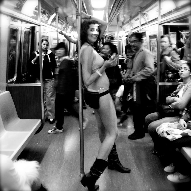 """Metrochick"". New York, 2008. (Photo by Lucía Rojas)"