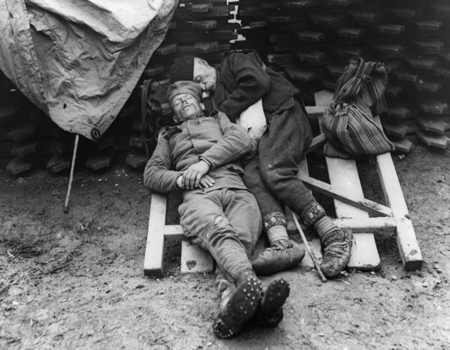 Serbian soldiers rest after duty in the trenches near Belgrade, 1915. (Photo by Hulton Archive/Getty Images)