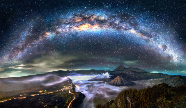 Mount Bromo panorama – Indonesia. (Photo by Steve Lance Lee/Caters News)