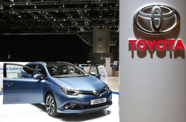 A Toyota Auris Hybrid Touring Sports car is pictured ahead of the 85th International Motor Show in Geneva, March 2, 2015.            REUTERS/Arnd Wiegmann (SWITZERLAND  - Tags: TRANSPORT BUSINESS)