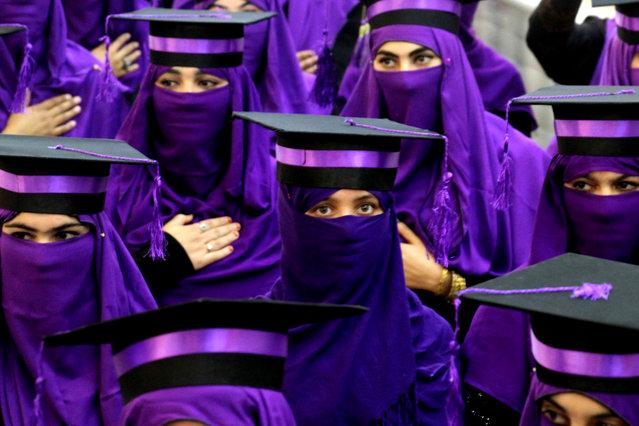 Afghan students attend their graduation ceremony in Kandahar, Afghanistan, 29 November 2018. Around 400 students graduated in the field of Nursing, Pharmacy and Medical laboratory at Kandahar Mamon Tahiri institute, in Kandahar. (Photo by Muhammad Sadiq/EPA/EFE)