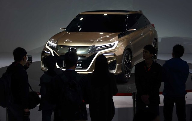 Honda Motor Co.'s Concept D sport-utility vehicle (SUV) stands on display at the 16th Shanghai International Automobile Industry Exhibition (Auto Shanghai 2015) in Shanghai, China, on Monday, April 20, 2015. (Photo by Tomohiro Ohsumi/Bloomberg)