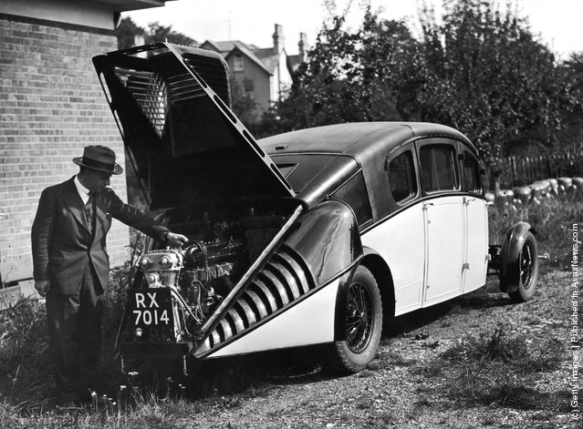 1930: The Burney, a new streamlined car designed by Sir Denniston Burney who was responsible for the design of the R 100 (R100) airship