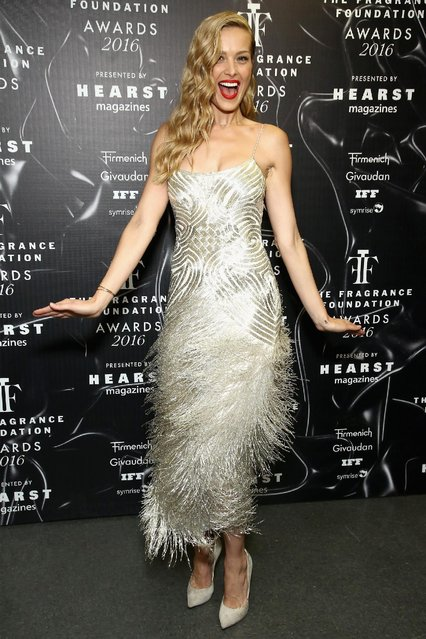 Petra Nemcova poses backcstage at the 2016 Fragrance Foundation Awards presented by Hearst Magazines - Show on June 7, 2016 in New York City. (Photo by Astrid Stawiarz/Getty Images for Fragrance Foundation)