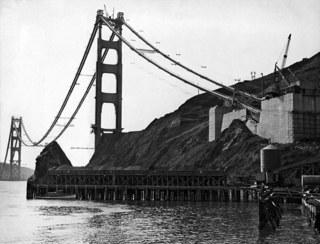 The Marin anchorage of the cables for the Golden Gate Bridge that runs between San Francisco and Marin County, Sausalito, California, 1930s. (Photo by Underwood Archives/Getty Images)
