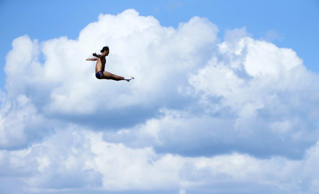 Orlando Duque of Colombia performs during the men's 27m High Diving competition preliminary at the Aquatics World Championships in Kazan, Russia, August 3, 2015. (Photo by Hannibal Hanschke/Reuters)